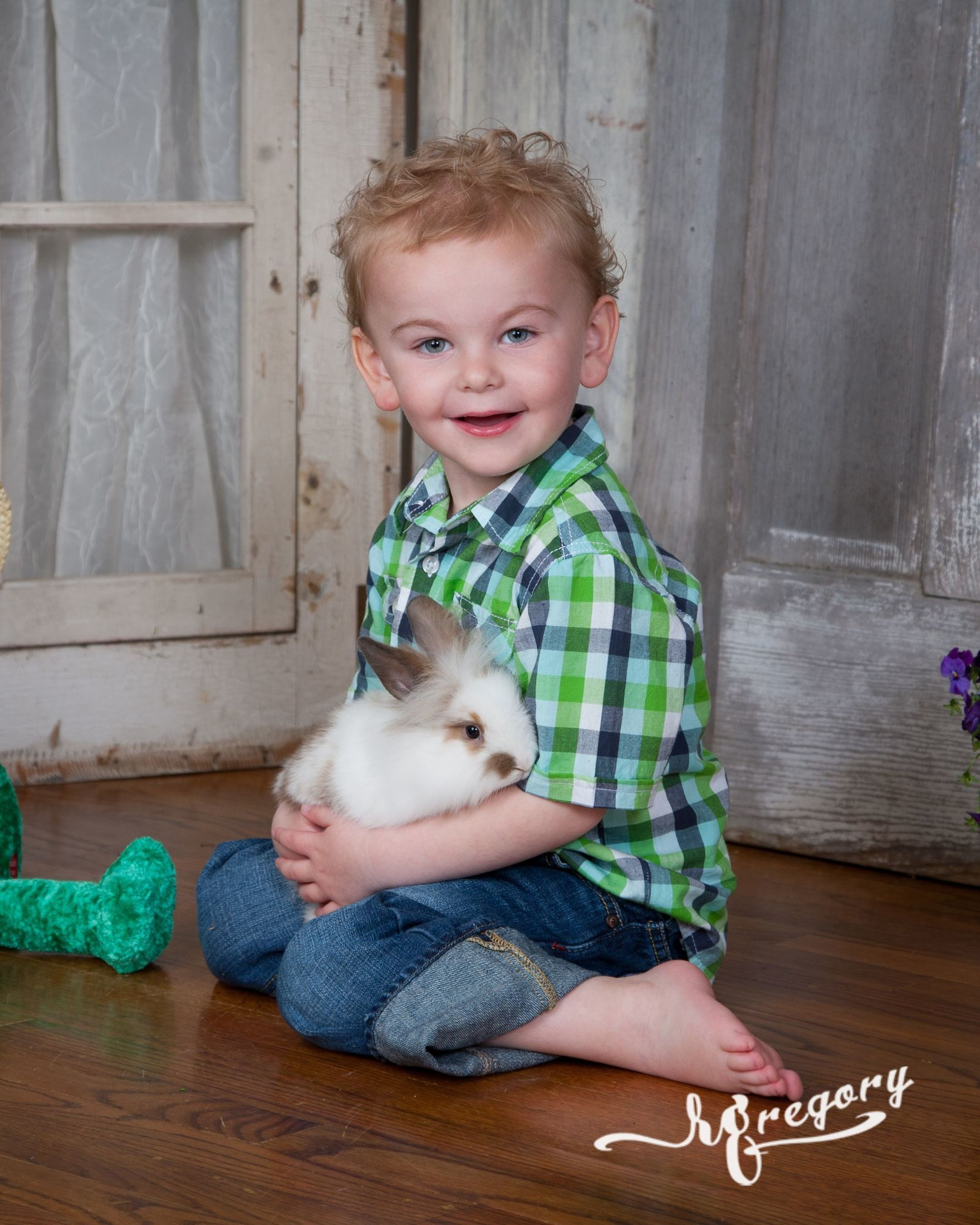 spring portraits for children and bunnies